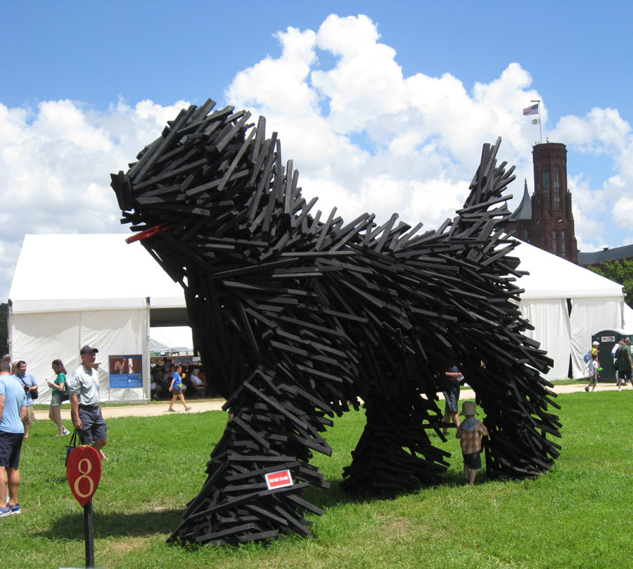Hungarian artist Gabor Miklos Szoke created this giant wood sculpture of a Hungarian Puli dog, an ancient herding breed, for the 2013 Folk Life Festival on the National Mall. Everyone loves a big dog.