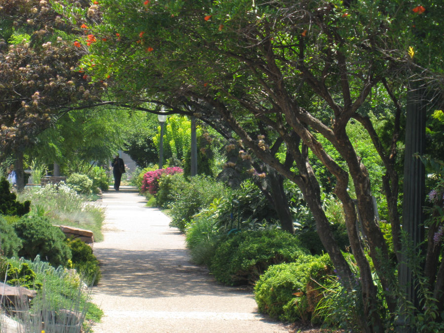 Wonk this way. Just steps from the Capitol, a garden offers secluded serenity.