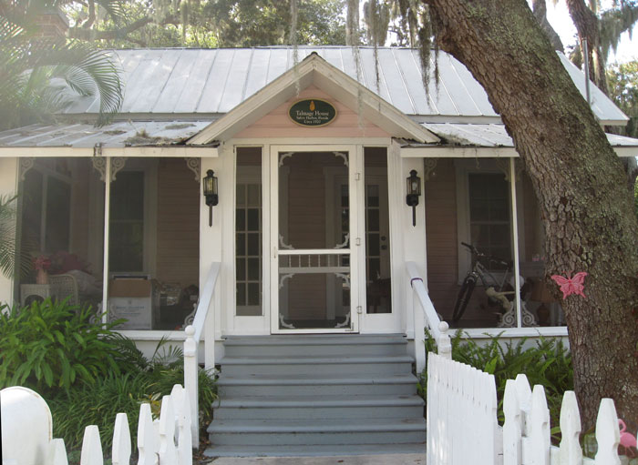 Picturesque cottages on the quiet streets of historic Safety Harbor offer a glimpse of Florida's charming past.
